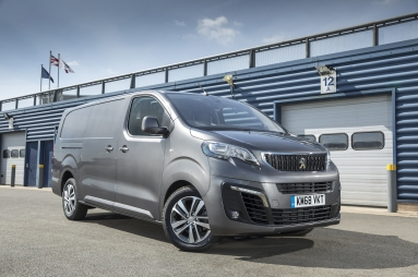 27645eaed4 PEUGEOT CELEBRATES ANOTHER WIN FOR THE EXPERT VAN AT THE 2018 COMMERCIAL  FLEET AWARDS